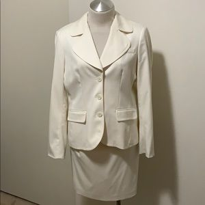 Bebe off white skirt suit 10